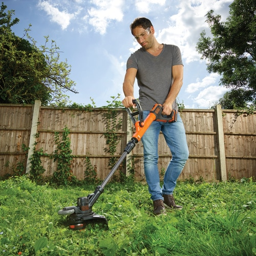 Black and Decker - 18V 40Ah 28cm Grastrimmer - STC1840PC